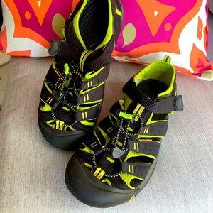 Keen Newport H2 Sandals - Big Kid Size 5